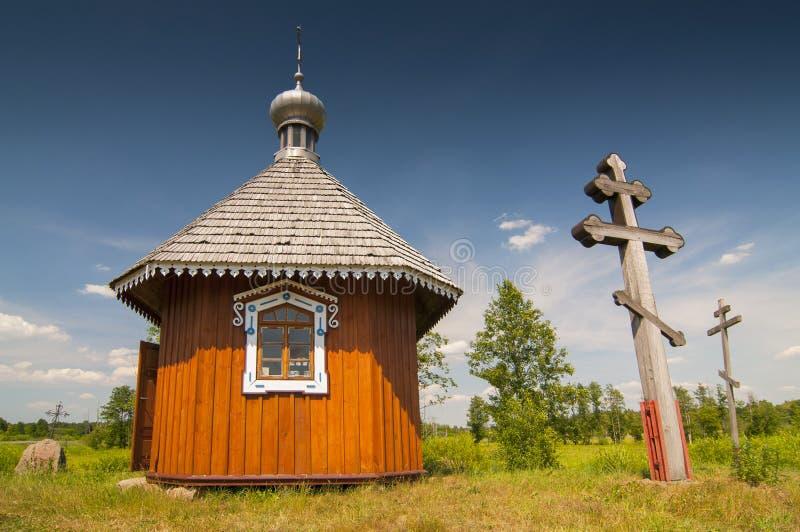 一点东正教教堂在露天民间博物馆斯堪森博物馆在Bialowieza,波兰 免版税库存图片