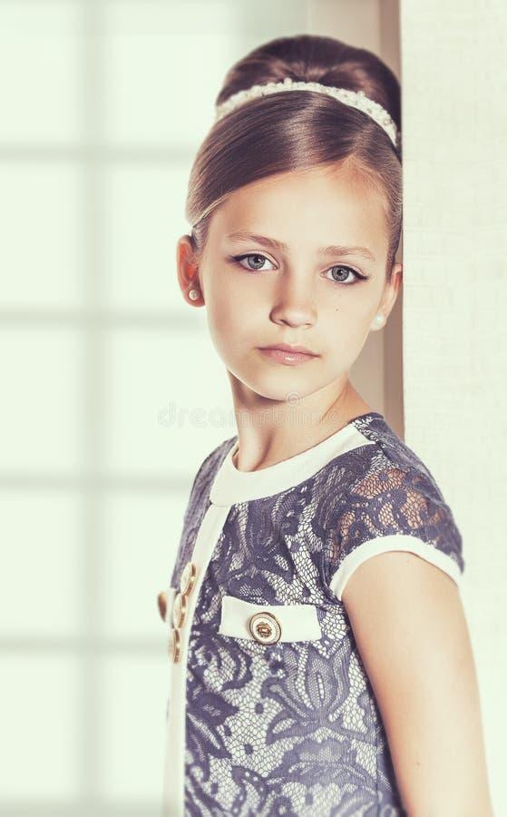一点时尚孩子女孩 免版税库存照片