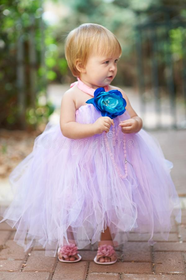 一点有小珠的俏丽的女孩 库存图片