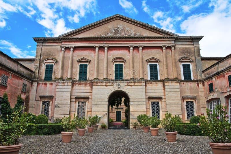 一点红历史意大利宫殿romagna 库存图片