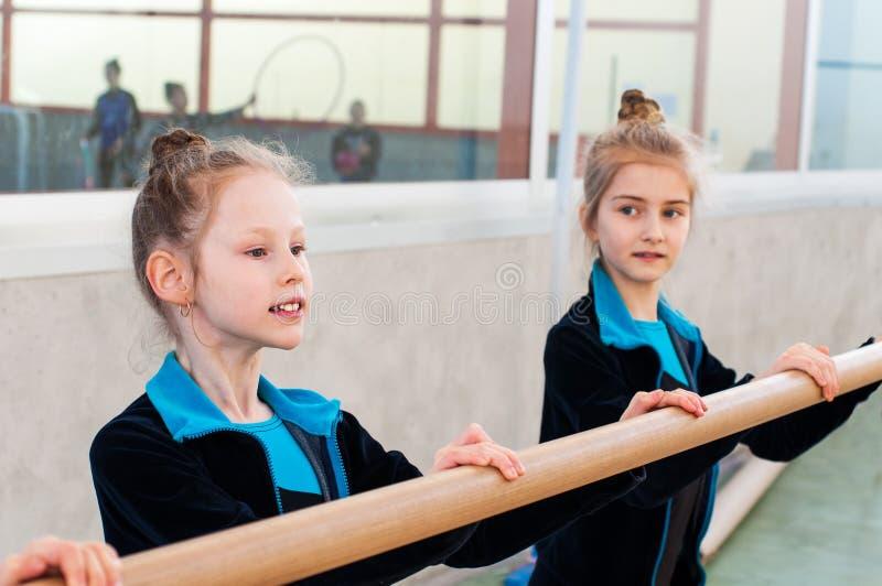 一点美丽的芭蕾女孩 免版税库存图片