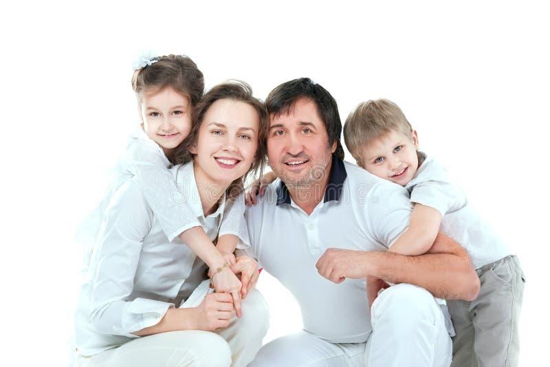 ?? 一现代幸福家庭的画象 库存照片