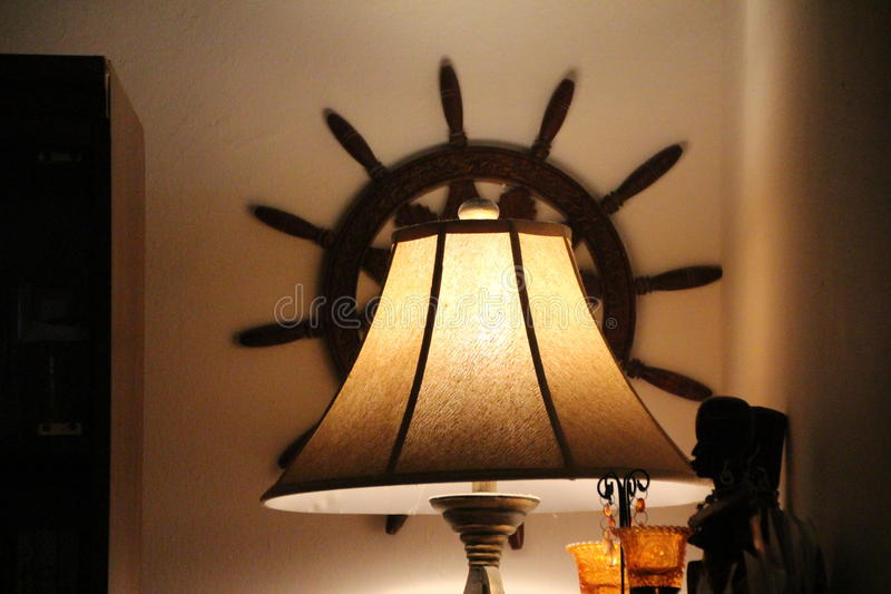 一盏安慰性的晚上日落灯 免版税库存图片