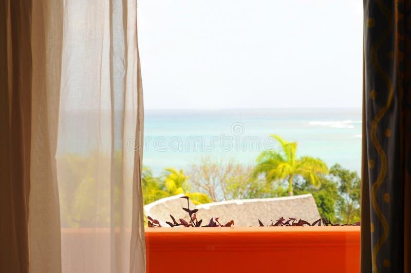 一种手段的Oceanview室在古巴 免版税库存图片