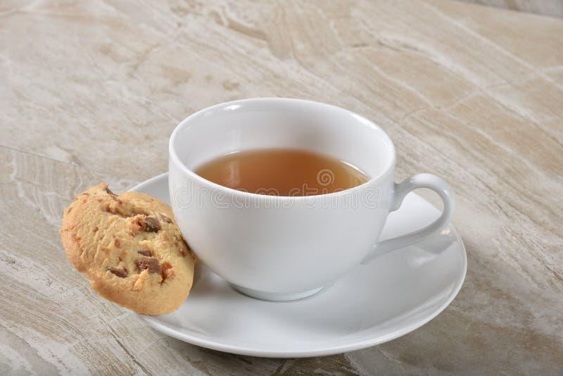 一种油脂含量较高的酥饼和茶 库存照片