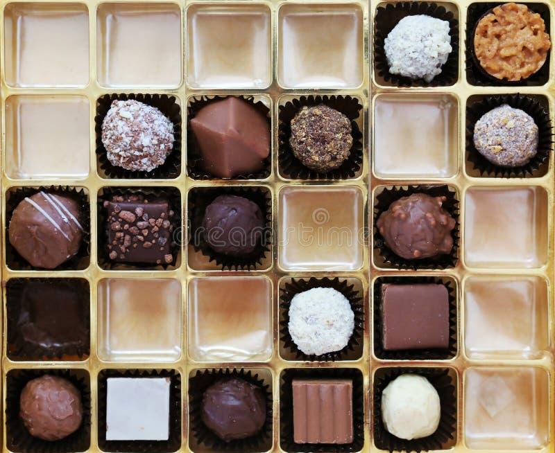 一箱比利时巧克力 免版税库存图片