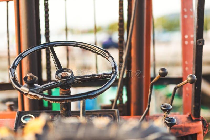 一老方向盘铲车运输 图库摄影