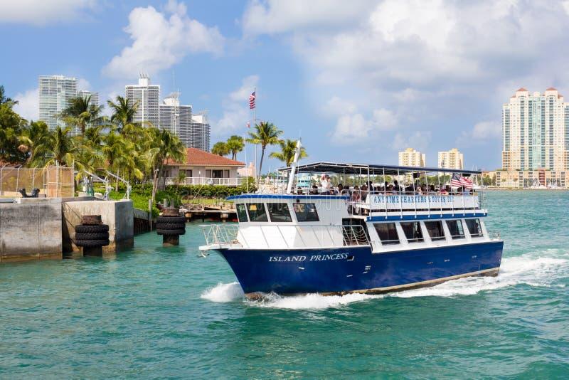 一艘船的观光旅游在迈阿密 免版税库存照片