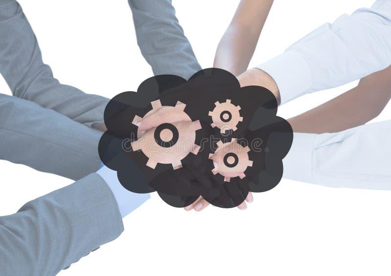一起企业手在灰色云彩和齿轮图表后 库存照片