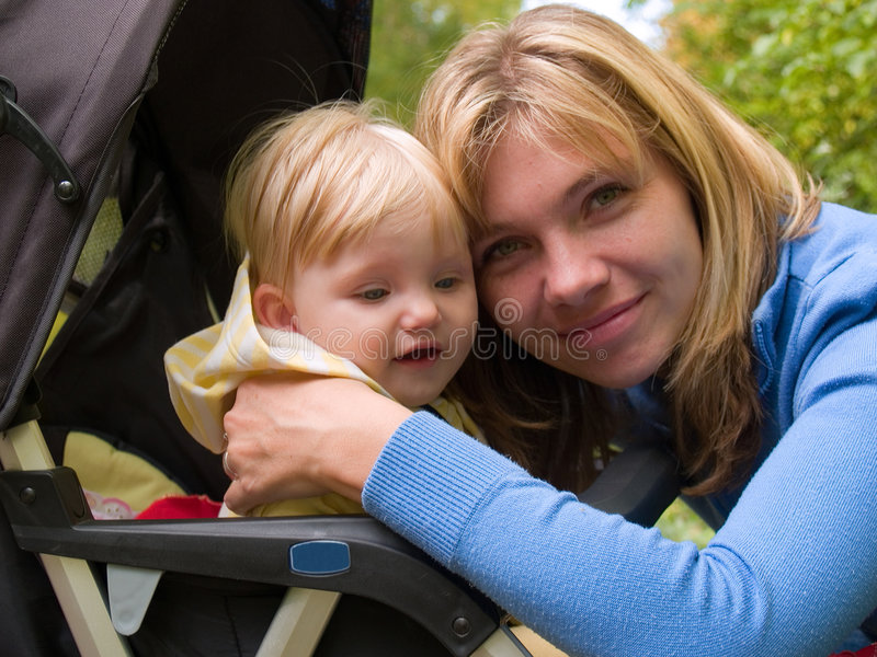 一起儿童母亲 免版税库存照片