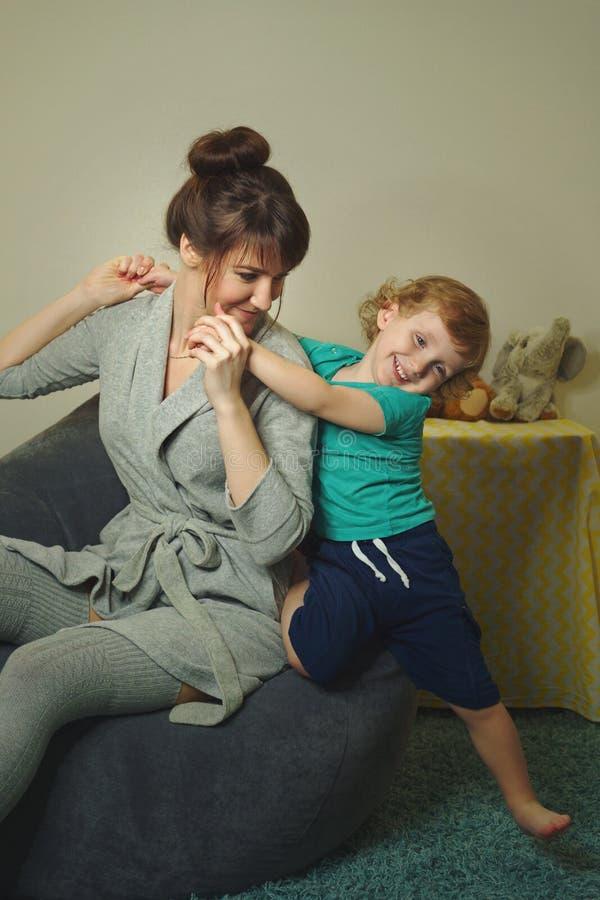 一起幸福时光家庭 免版税库存照片