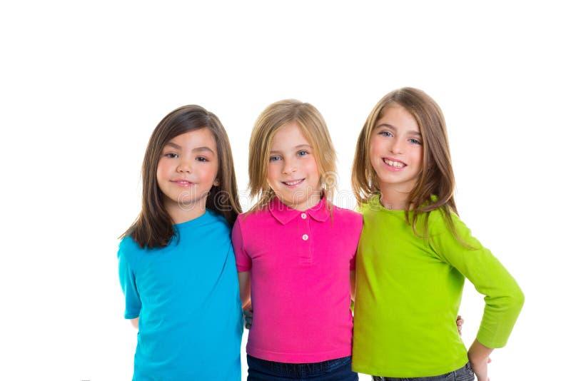 一起微笑儿童愉快的女孩的组 免版税库存图片