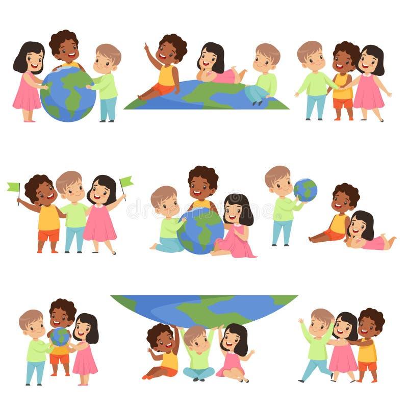 一起站立愉快的多文化的小孩的汇集,友谊,团结概念在a的传染媒介例证 皇族释放例证