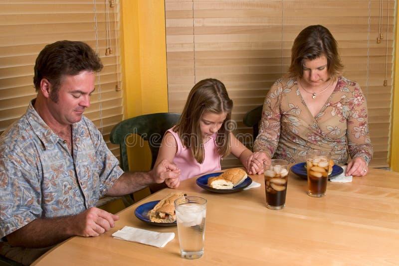 Download 一起说的雍容 库存图片. 图片 包括有 雍容, 父亲, 愉快, 幸福, 系列, 母亲, 丰富的, 关心, 谢意 - 191199