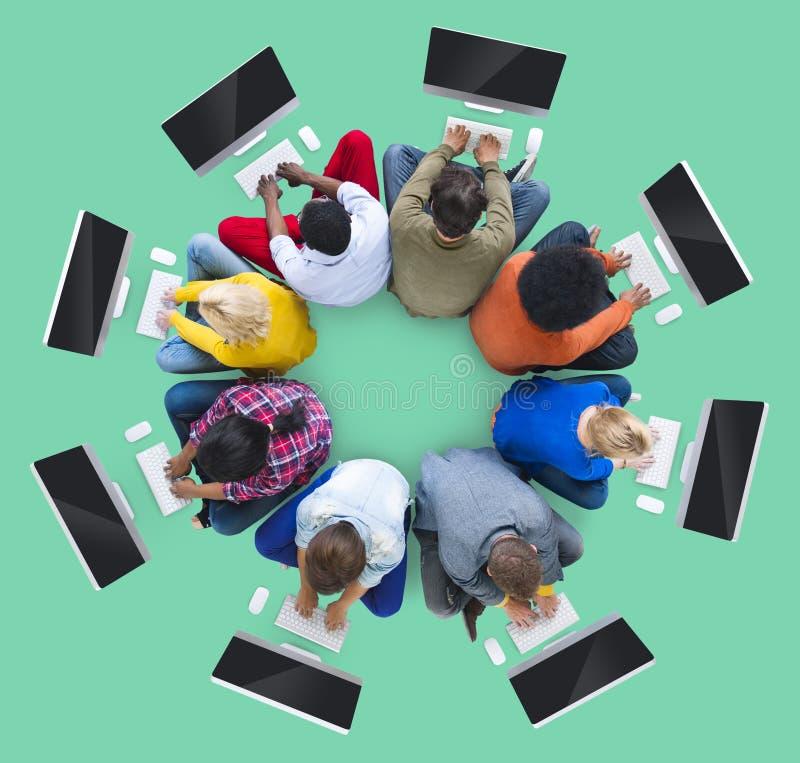 一起配合队查寻概念的合作会议 库存照片