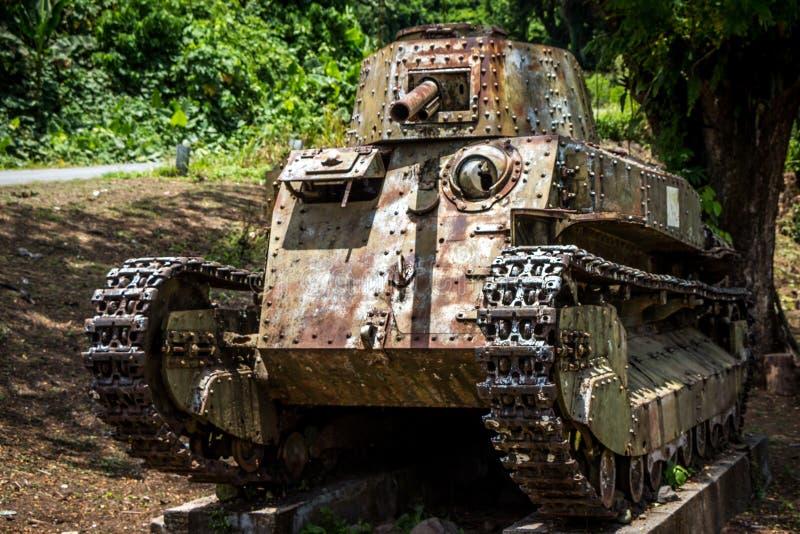 一辆二战坦克在巴布亚新几内亚 图库摄影
