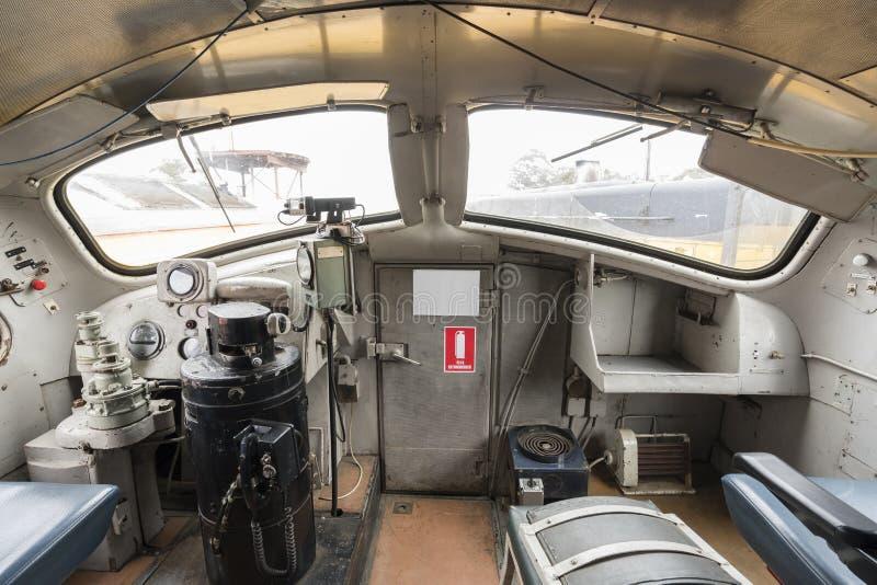 一辆内燃机车的驾驶员舱 免版税库存照片