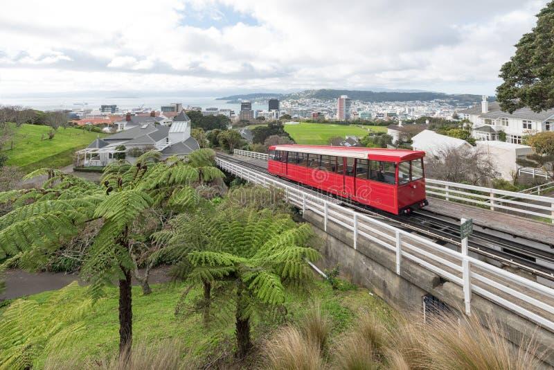 一辆缆索铁路的缆车在惠灵顿新西兰 库存照片