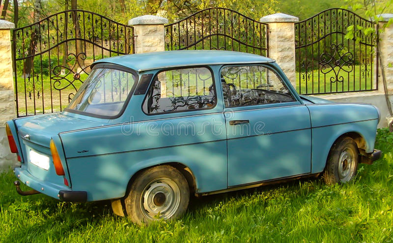 一辆蓝色特拉班特汽车 免版税库存照片