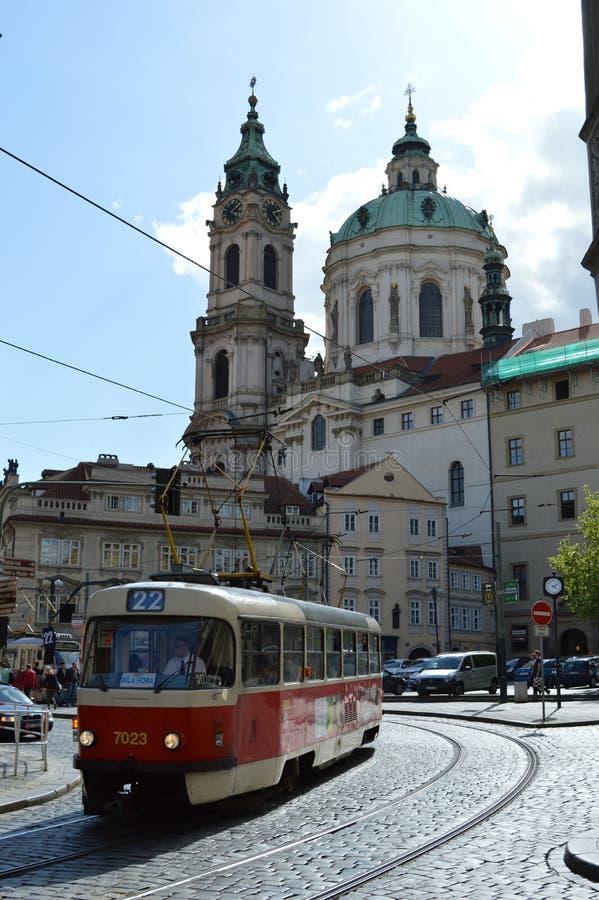 一辆路面电车在布拉格 免版税库存照片