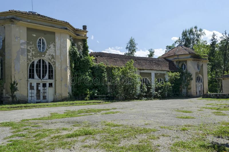 一部分的与国王的赌博娱乐场的片段的老建筑合奏Banite,太阳庭院,沃尔舍茨温泉镇 库存照片