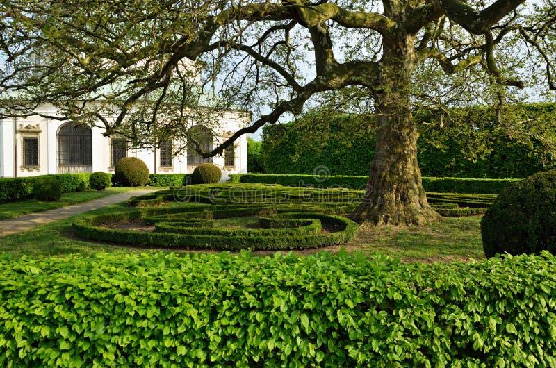 庭院在Kromeriz,捷克 免版税库存图片