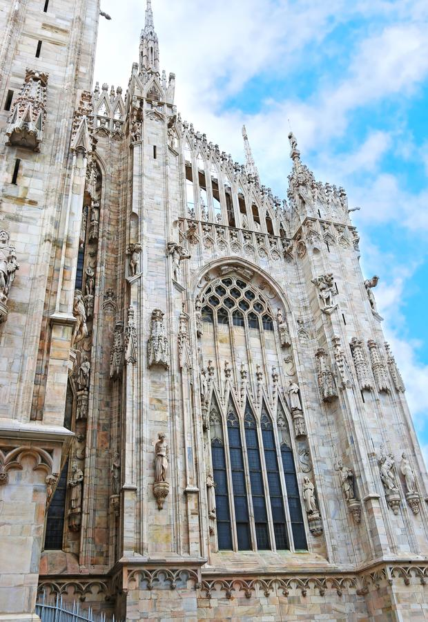 一部分的米兰市意大利-建筑学细节大教堂教会  库存照片
