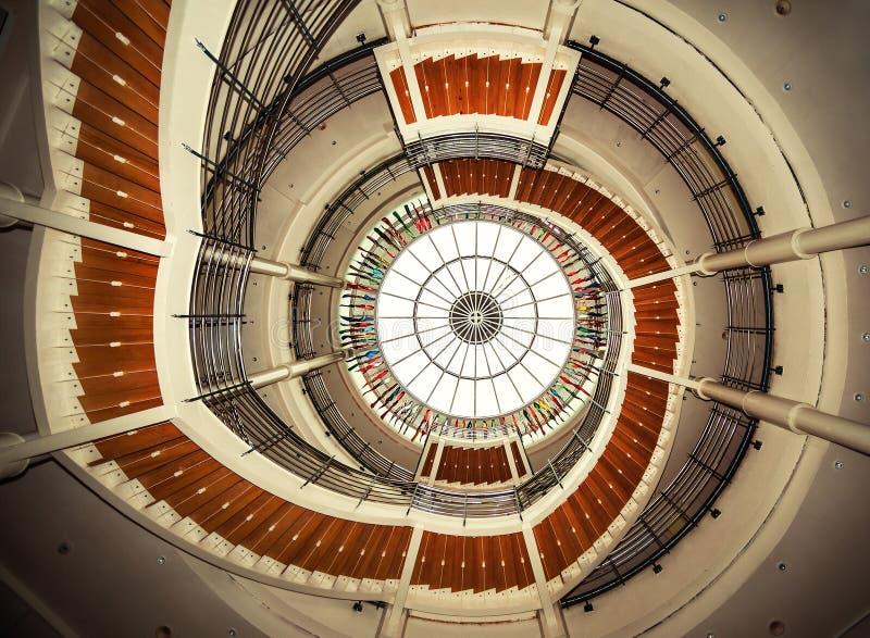 一部螺旋形楼梯的增长视图 免版税图库摄影
