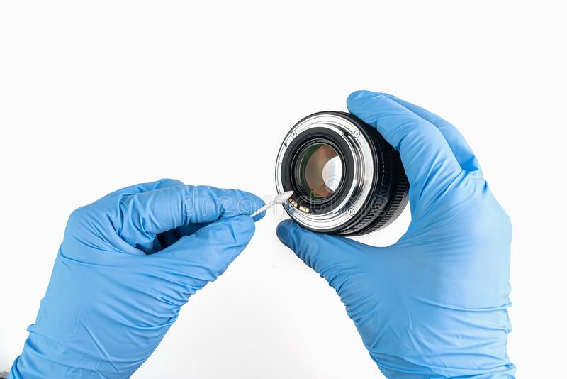 一镜头的专业清洁有棉花棒和手套的 免版税库存照片