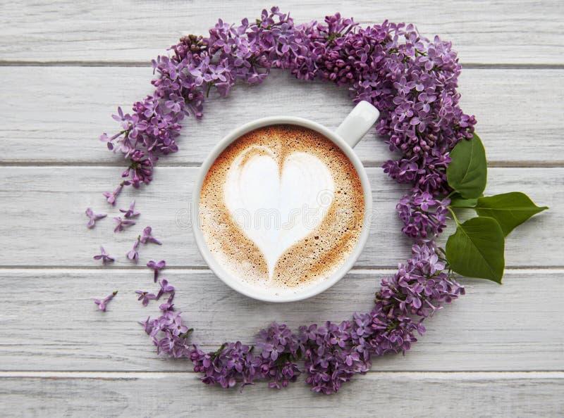 丁香花和咖啡 库存图片