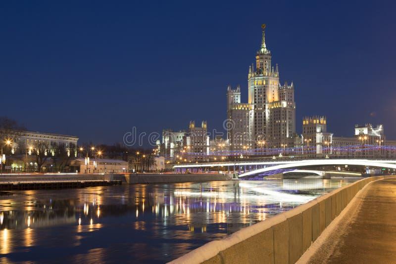 七个斯大林摩天大楼之一:在Kotelnicheskaya堤防,莫斯科的高层建筑物 免版税库存图片