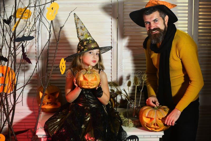 万圣夜党概念 巫术师和小巫婆帽子的 免版税库存照片