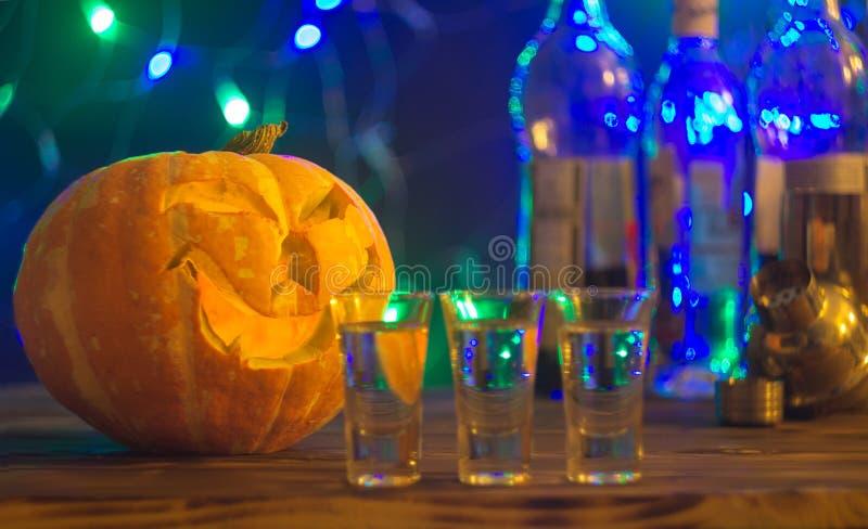 万圣夜党的,选择聚焦鸡尾酒 免版税库存照片