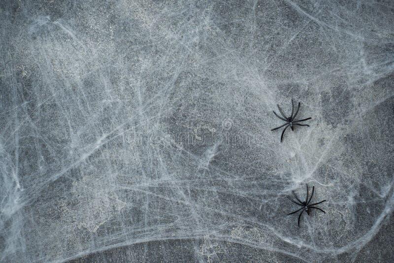 万圣夜概念,有蜘蛛网的黑暗的背景老墙壁,贺卡背景 免版税库存照片