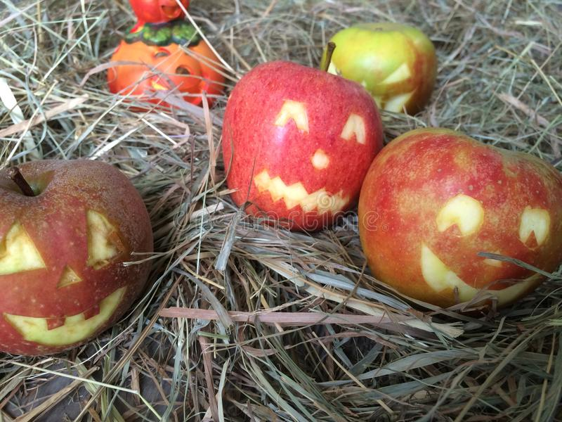 万圣夜用苹果 免版税图库摄影