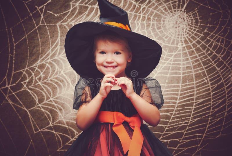 万圣节 滑稽的矮小的巫婆 免版税库存图片