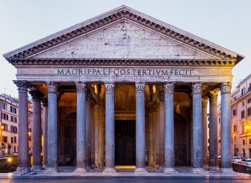 万神殿、所有神前罗马寺庙,现在教会和富镇 免版税图库摄影