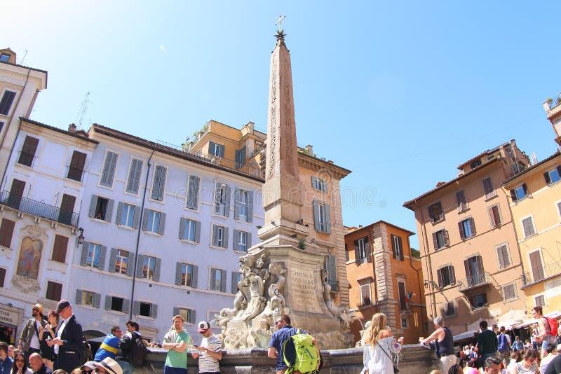 万神殿的喷泉,罗马 库存照片
