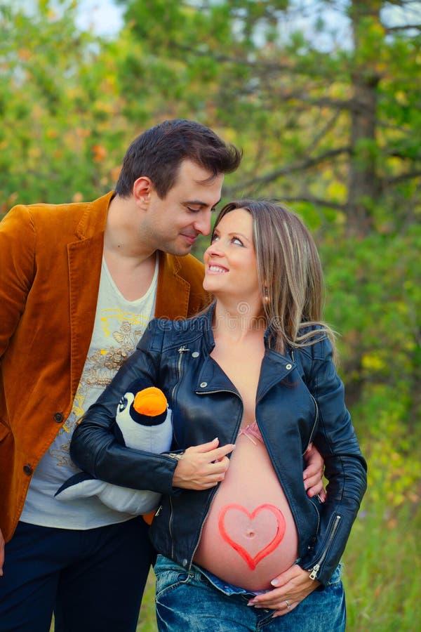 丈夫孕妇 免版税库存图片