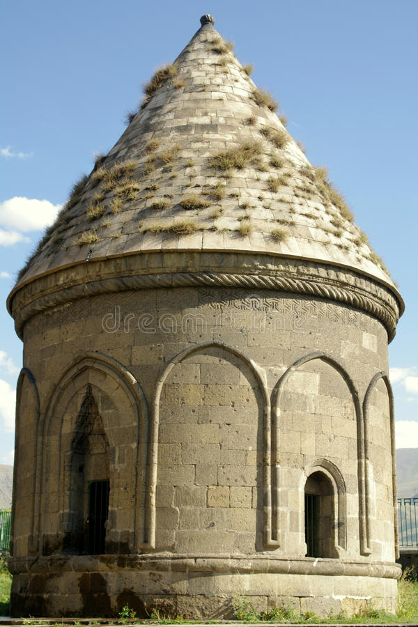 三个圆屋顶之一在埃尔祖鲁姆 免版税库存图片
