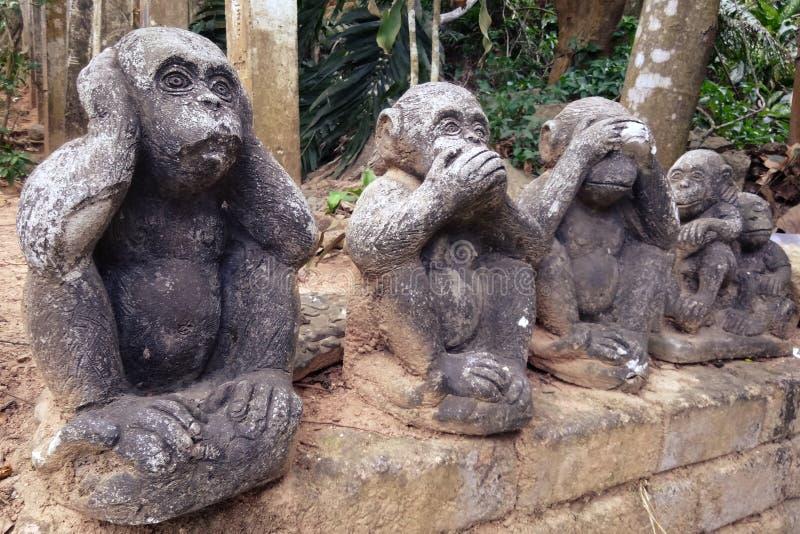 三个明智的猴子石小雕象 图库摄影
