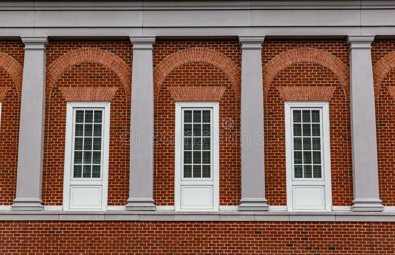 三个法院大楼窗口Fredericksburg弗吉尼亚 库存图片