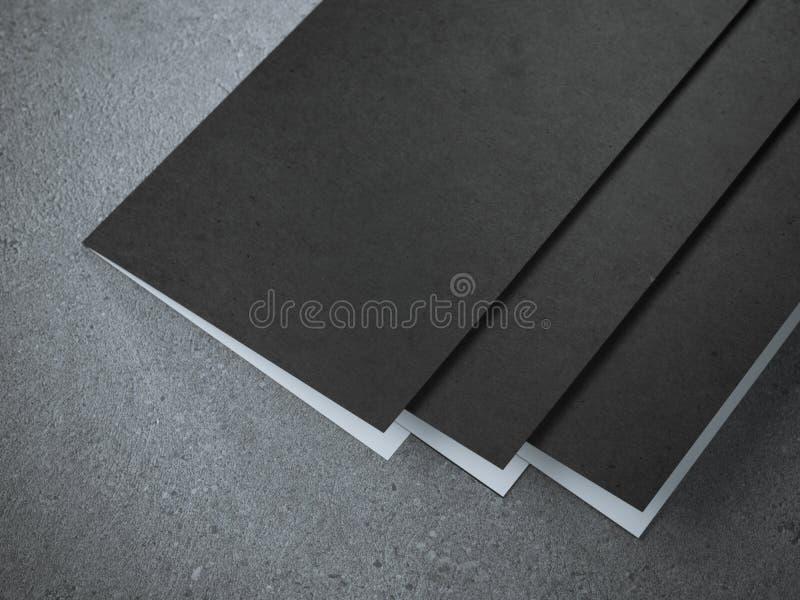 三个空白的半折叠小册子 皇族释放例证
