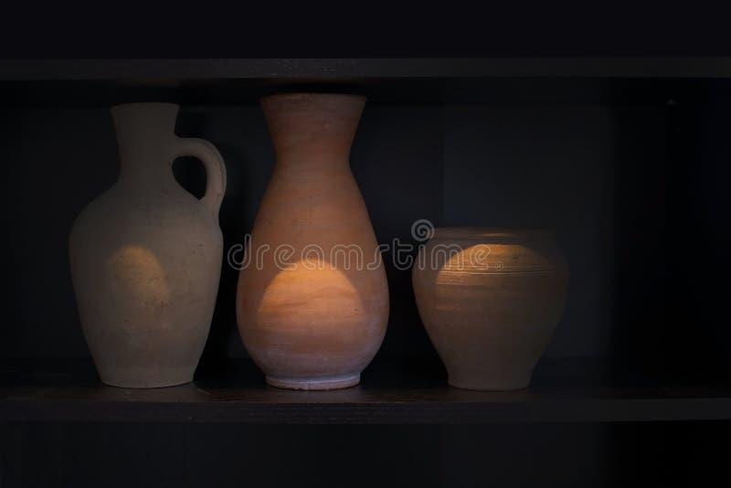 三个赤土陶器花瓶陶器 库存图片