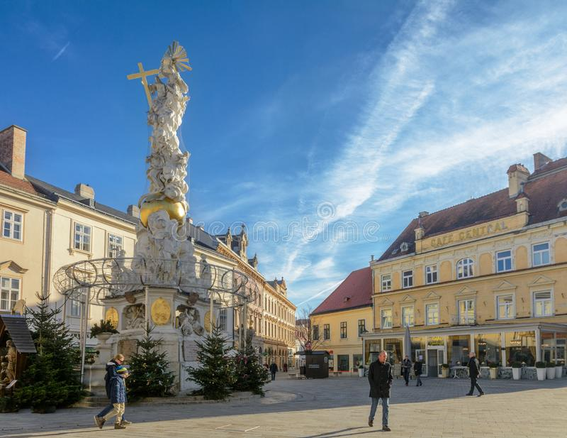三位一体瘟疫专栏的专栏在维也纳附近的巴登市 奥地利 库存图片