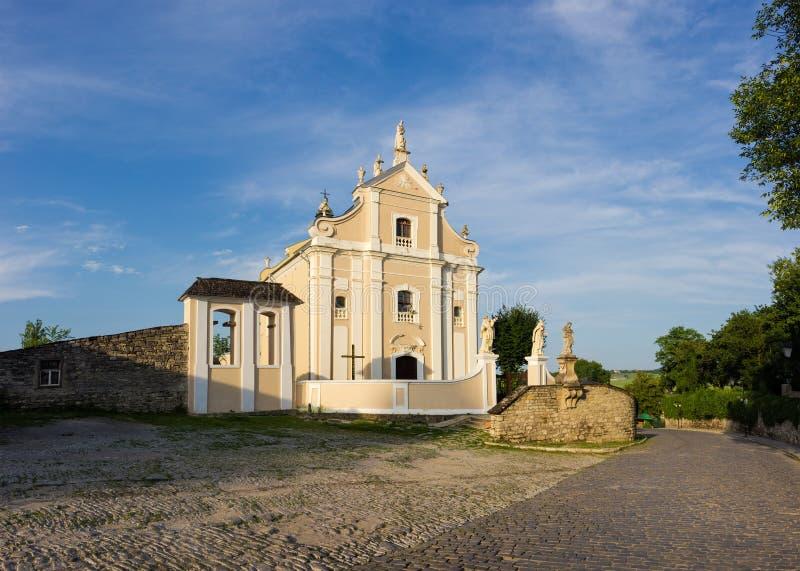 三位一体秩序三位一体天主教会,Kamianets-Podilskyi,乌克兰 免版税库存图片