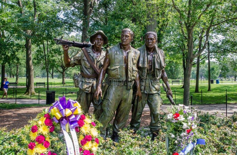 三位战士-越南在华盛顿特区的退伍军人的纪念品 免版税图库摄影