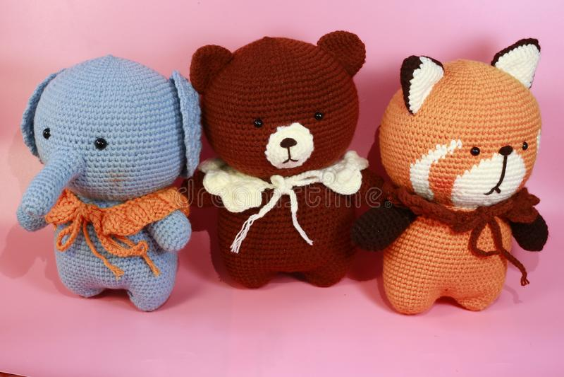 三俏丽的玩具熊由我的女朋友做 免版税库存图片
