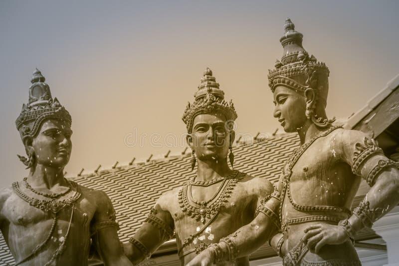 三国王Monument、Mengrai国王雕象,清迈的创建者和他的两个朋友, Sukothai的Ramkamhaeng国王和 库存图片
