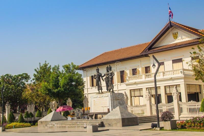 三国王Monument、Mengrai国王雕象,清迈的创建者和他的两个朋友, Sukothai的Ramkamhaeng国王和 免版税库存图片